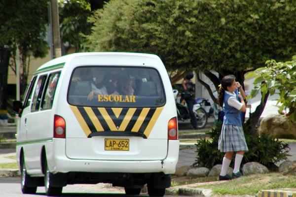 vehiculos transporte escolar: