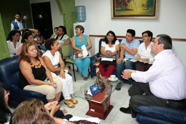 http://www.vanguardia.com/imgplanos/Noticia_600x400/foto_grandes_400x300_noticia/2011/03/05/06barra02e009_big_ce.jpg