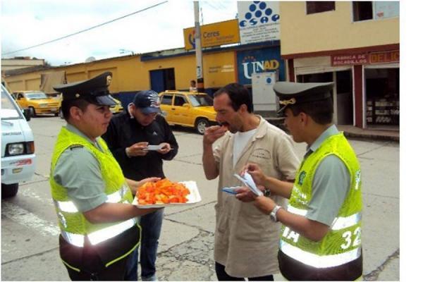 Policía dando Papaya