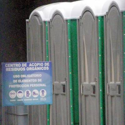 Piden la reubicaci n de las bodegas de ba os port tiles for Piscinas portatiles colombia
