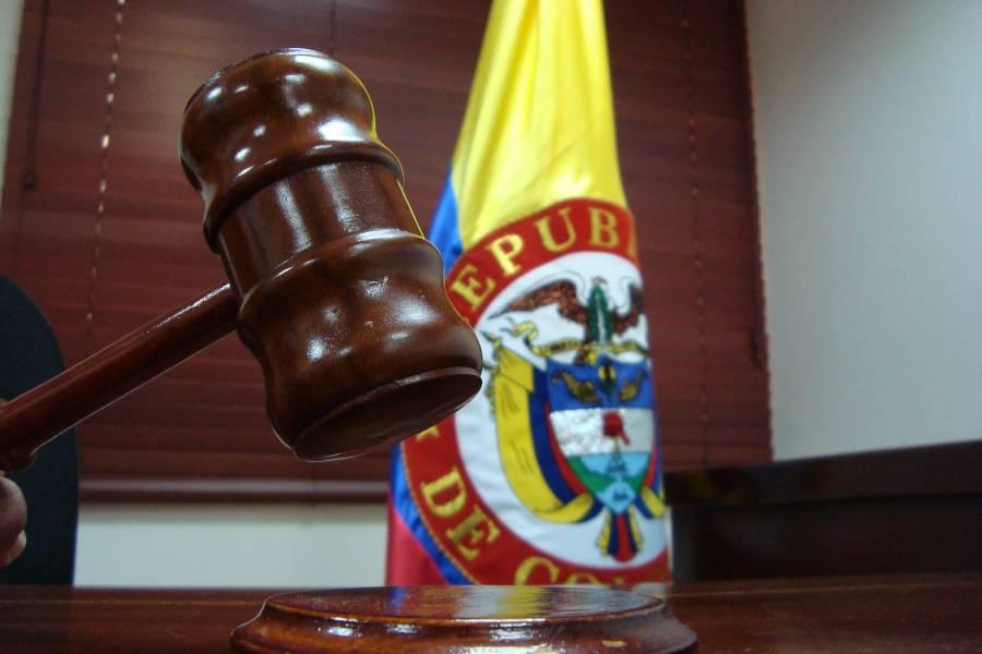 Destituida jueza por ordenar pagos en detrimento de Invías