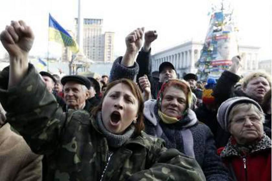 Destituyen al presidente de Ucrania y convocan a elecciones