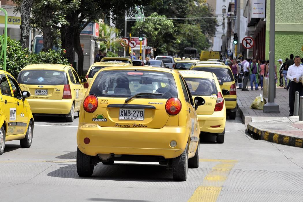 Denuncie a taxistas que cobren de más o se nieguen a hacer 'carreras'