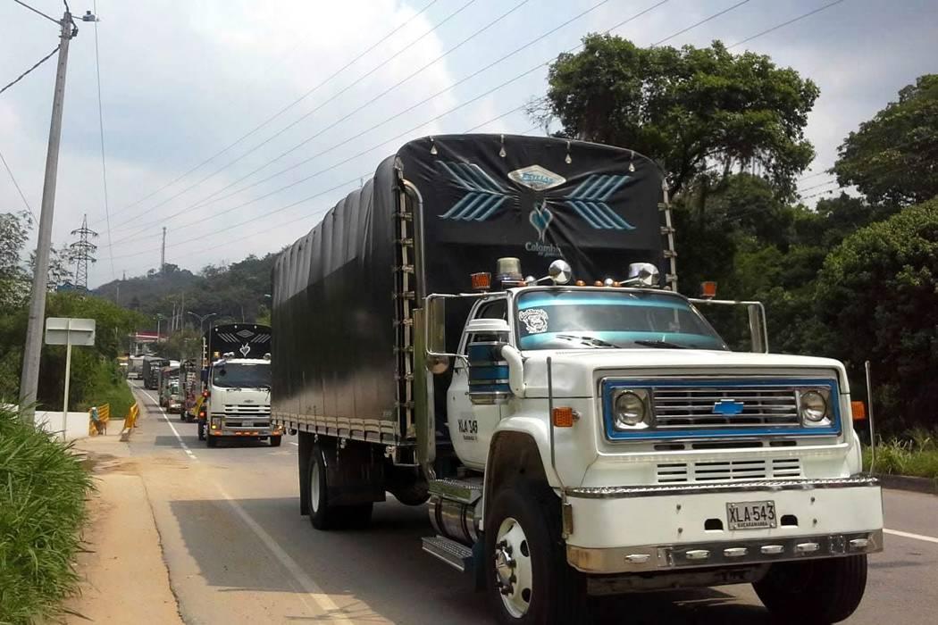Camioneros protestaron en Floridablanca y Piedecuesta