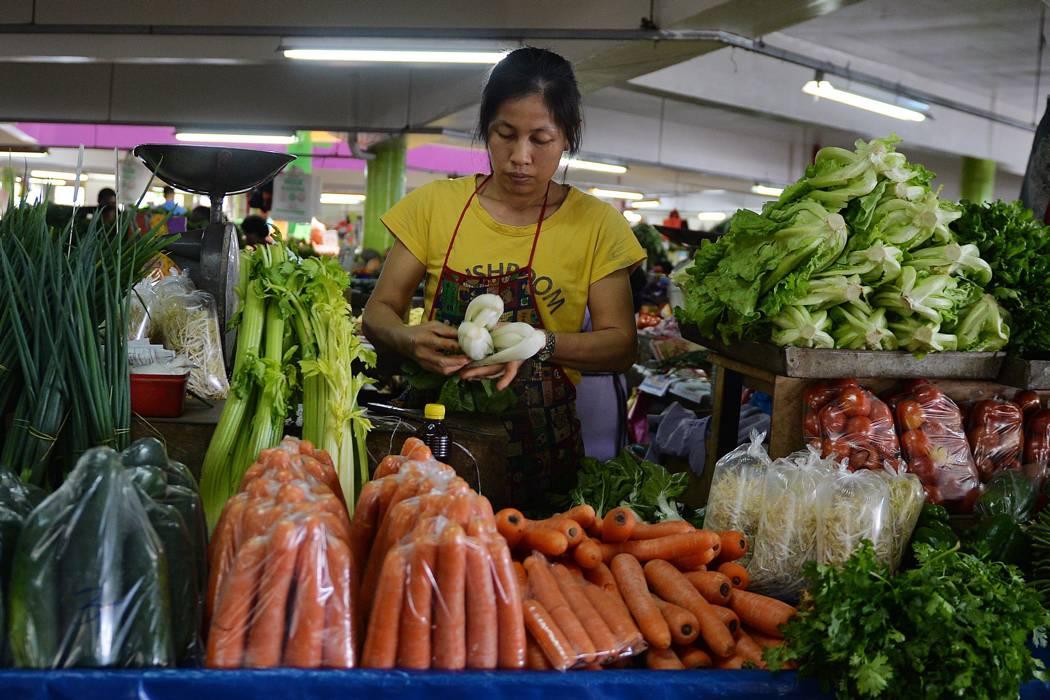 Paro camionero empieza a afectar la llegada de alimentos a Santander