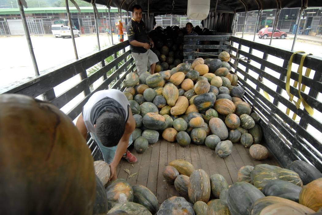 Por culpa del paro, precios de los alimentos están por el 'cielo'