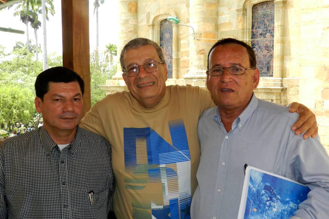 Gonzalo España, en la feria comunera del libro en la UIS