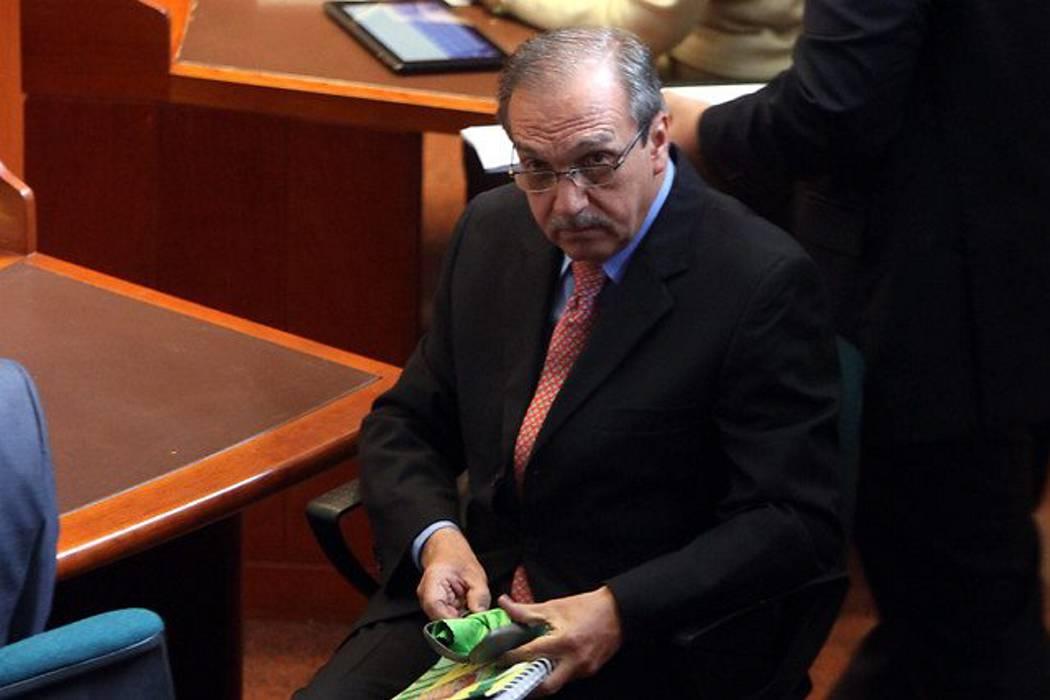 Exministro Restrepo dice que no conoció vínculo ilegal de Luis Alfredo Ramos