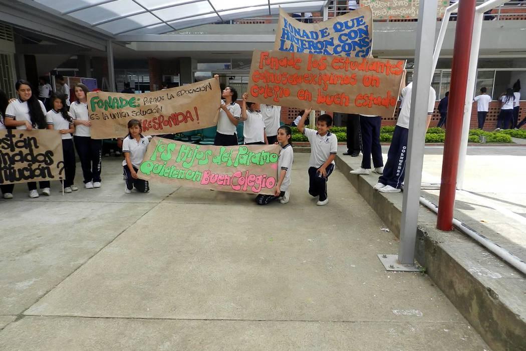Protesta de comunidad del  Nuestra Señora de la Salud
