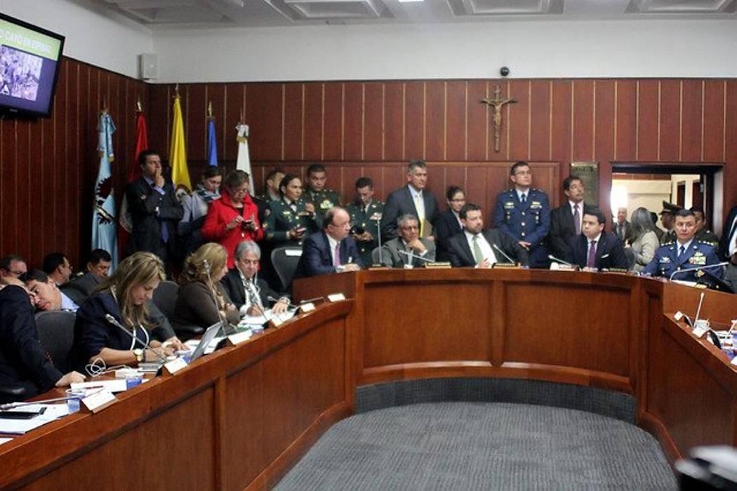 Ministro de Defensa a responder por ascensos militares en el Senado