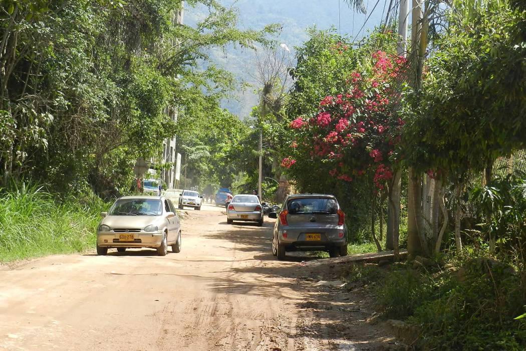 Advierten riesgos por postes en sector de la vereda Barroblanco