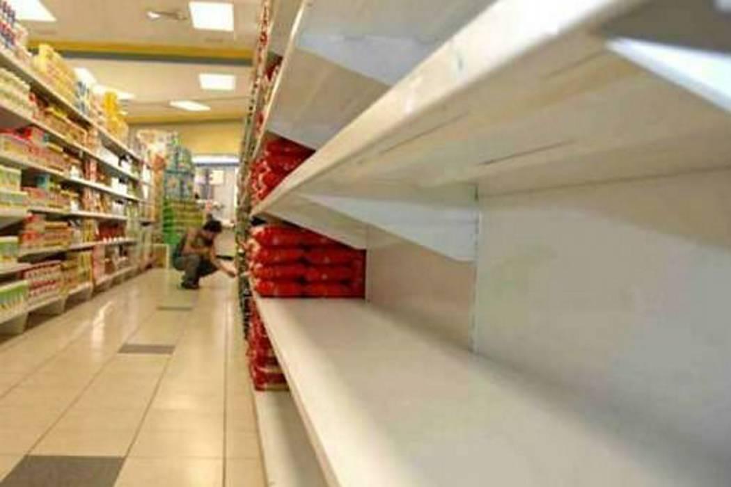 Escasez de alimentos continuará en 2016, advierten industriales venezolanos
