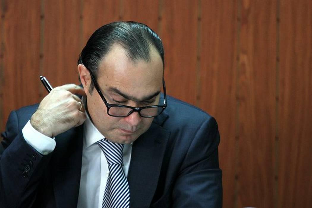 Cuando el Senado admita acusación de Pretelt, quedará suspendido