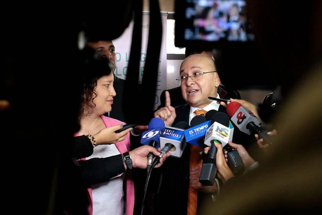 Las declaraciones de Montealegre han afectado la labor de la Fiscalía: Abogados