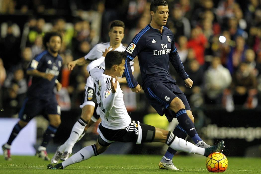 Real Madrid, sin James como titular, aún no disipa las dudas