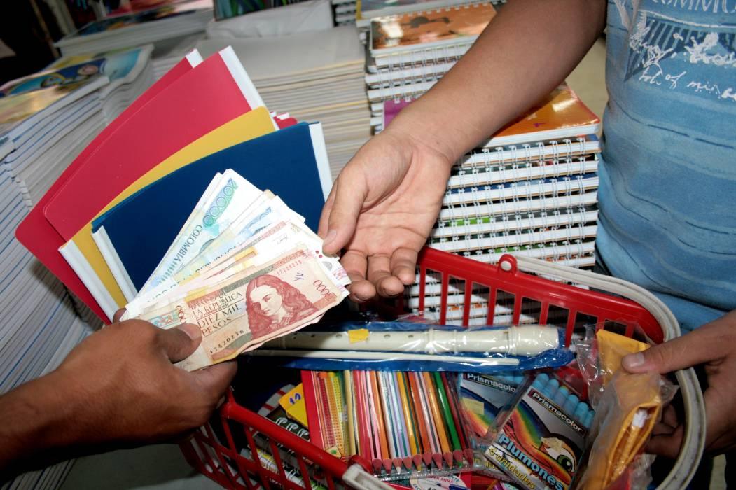 Promueven campaña contra 'útiles inútiles' en Bucaramanga