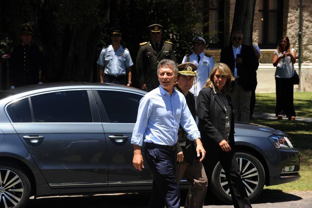 Presidente de Argentina se fisuró una costilla y guarda reposo en su casa