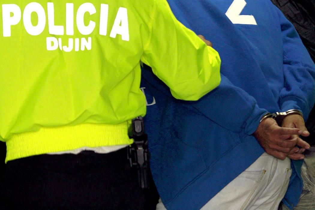 Capturan en Santander a policía acusado de tortura y secuestro