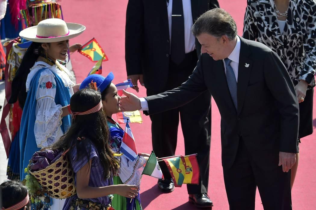 Cumbre de Celac comienza centrada en la erradicación de la pobreza extrema y Colombia