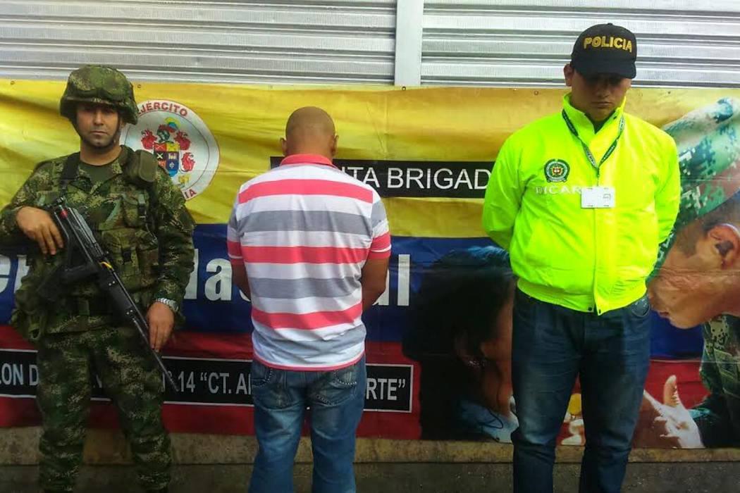 Quinta Brigada y Policía Nacional capturan a alias 'Cabeza de Loro'