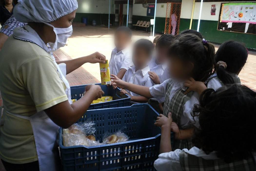 3 empresas se encargarán de entregar refrigerios escolares