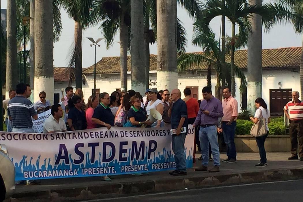 Sindicatos protestan por presunta persecución del Alcalde de Bucaramanga