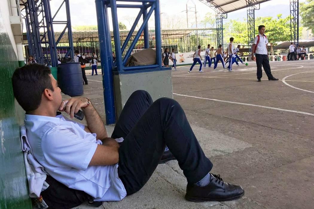En la Industrial de Oiba faltan 3 docentes y exigen soluciones