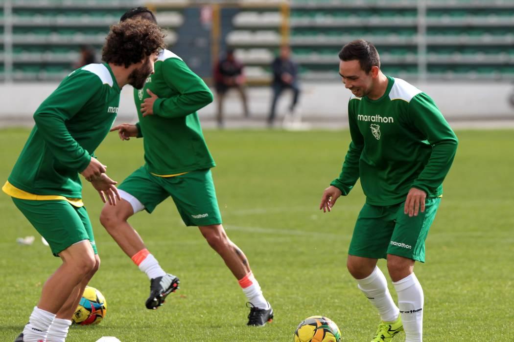 Bolivia comienza con 14 jugadores sus entrenamientos para recibir a Colombia