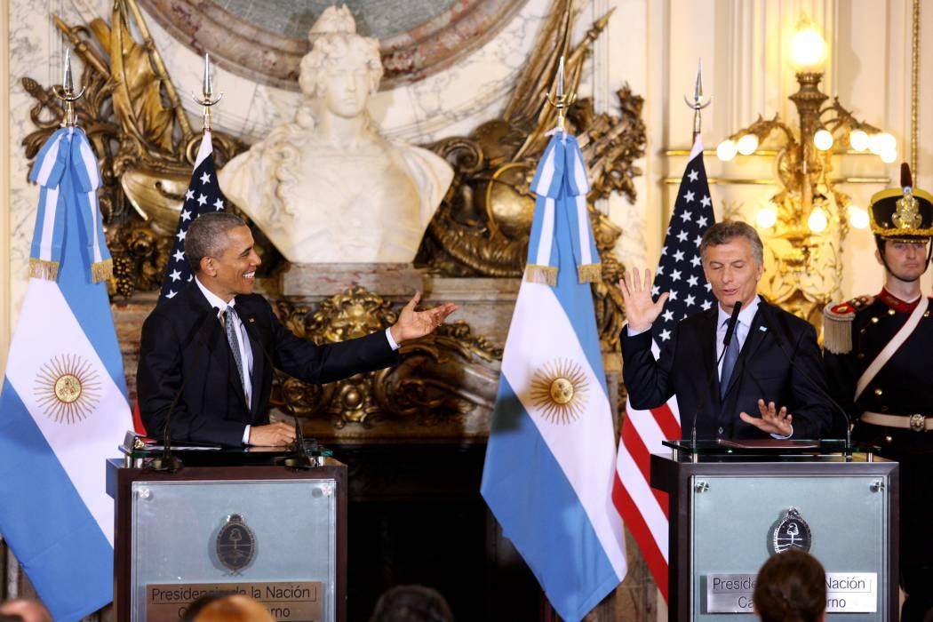 """Obama promete trabajar con Macri en """"transición"""" que atraviesa Argentina"""