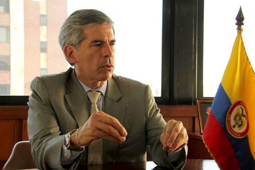 El ministro Yesid Reyes se postuló para ser fiscal General de la Nación