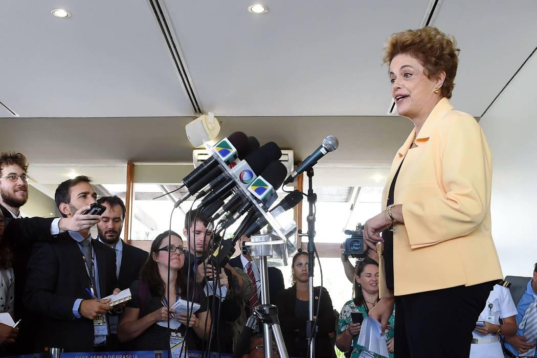 Rousseff descarta reforma ministerial antes de voto sobre su destitución