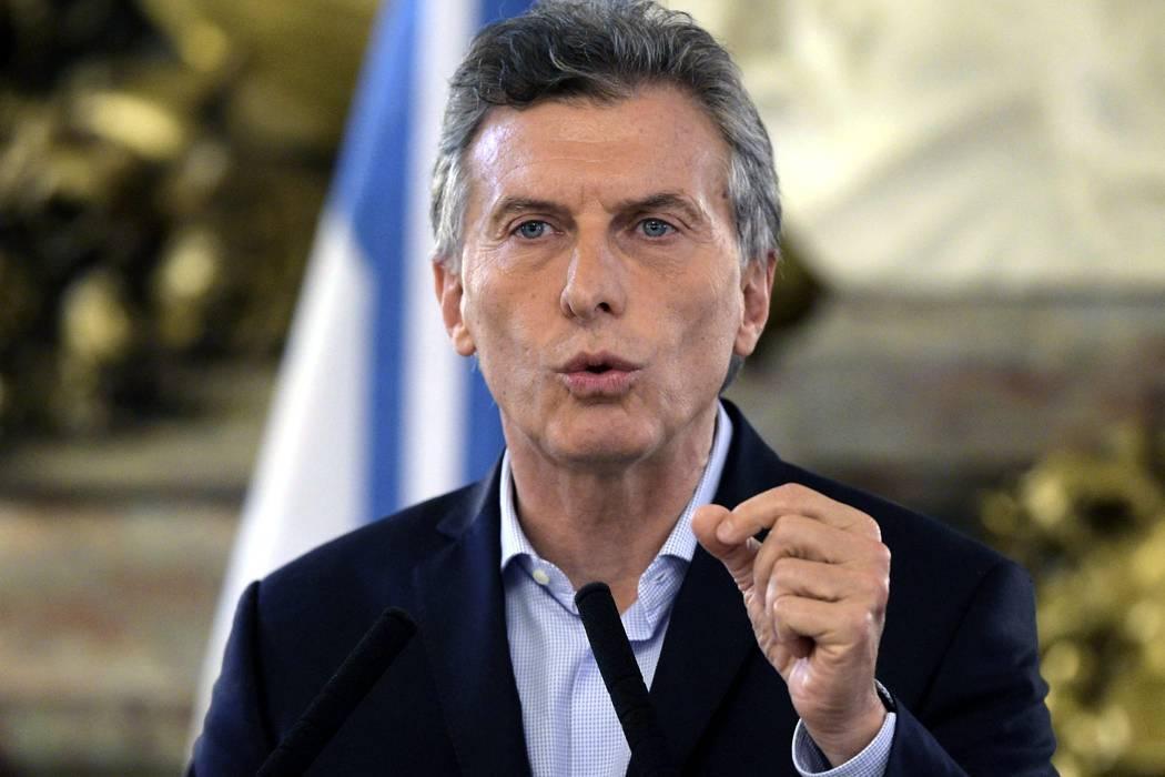 Macri dice ha cumplido con la ley y pide confianza ante filtración de Panamá