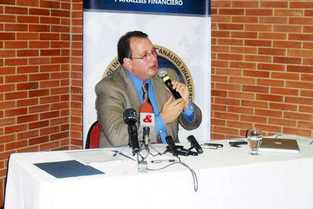Renuncia el director de la Uiaf por divulgar cifras sobre la fortuna de las Farc