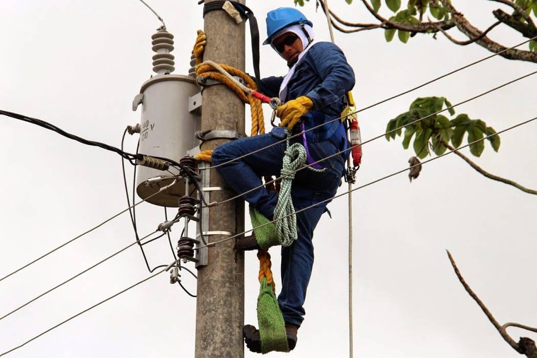 Electrificación llegará este año a 238 familias rurales en Piedecuesta