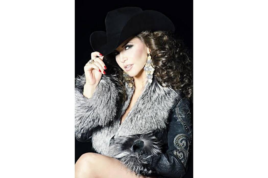 Llega a Colombia Paola Preciado, la 'Reina del norteño banda' de México