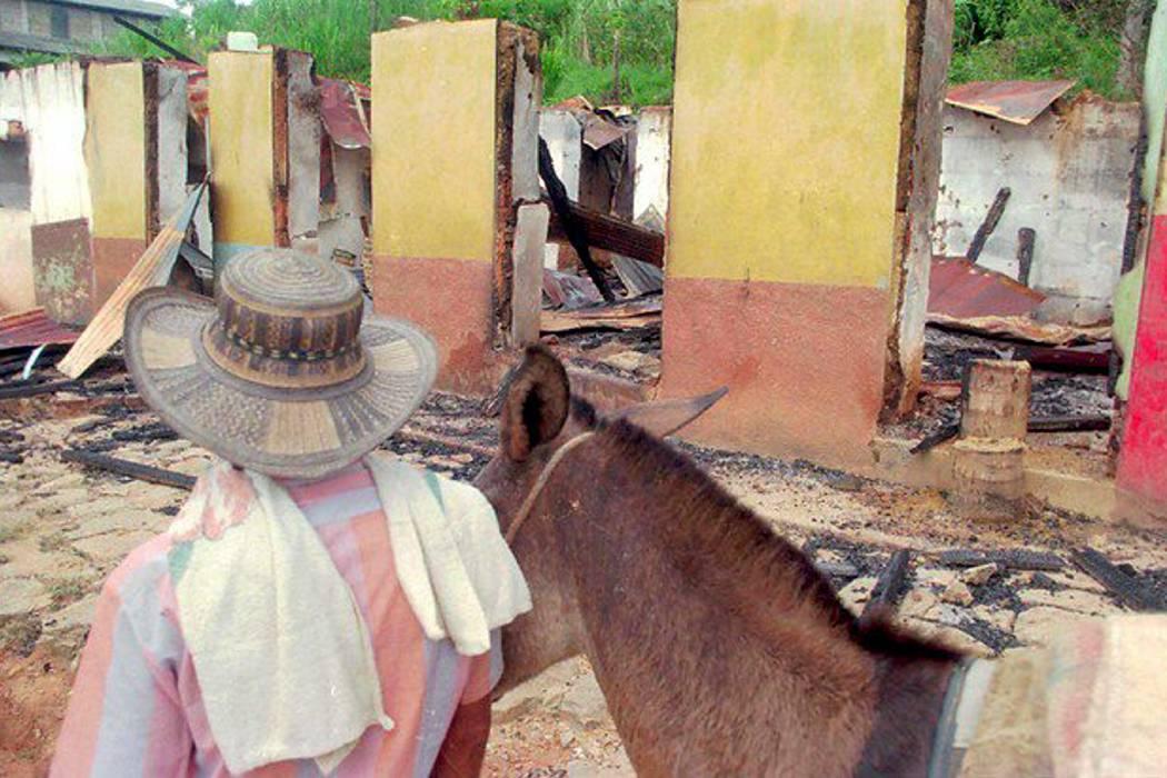Condenan al Bloque Mineros de las Auc por la masacre del Aro