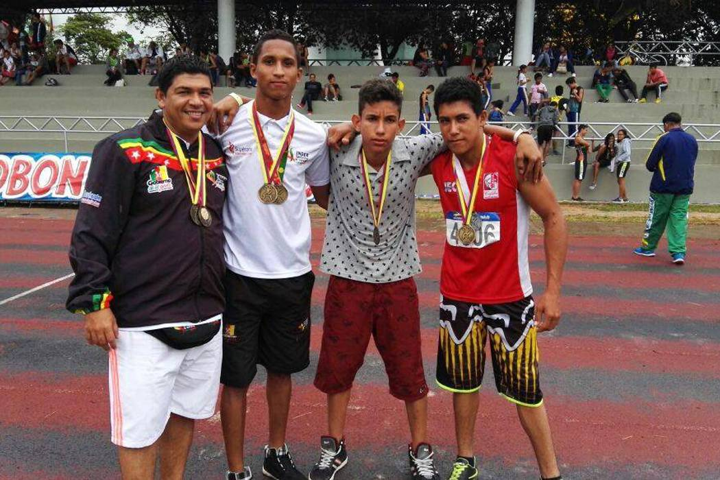 Seis medallas se colgaron los atletas barranqueños