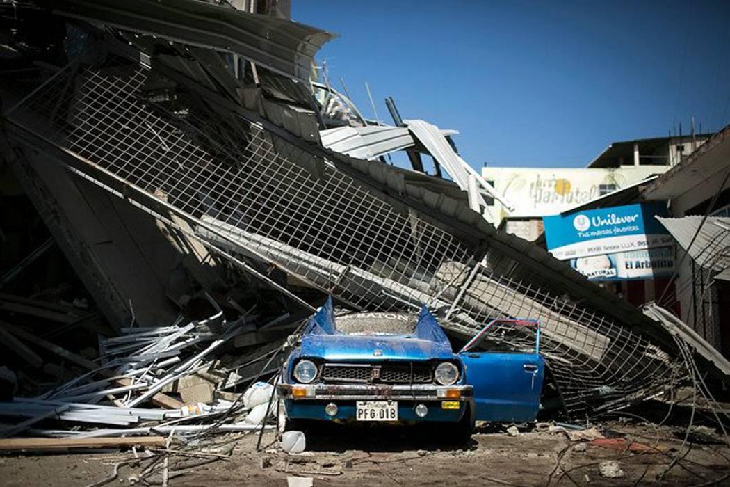 Ecuador inicia desafío de reconstruir zonas devastadas por terremoto