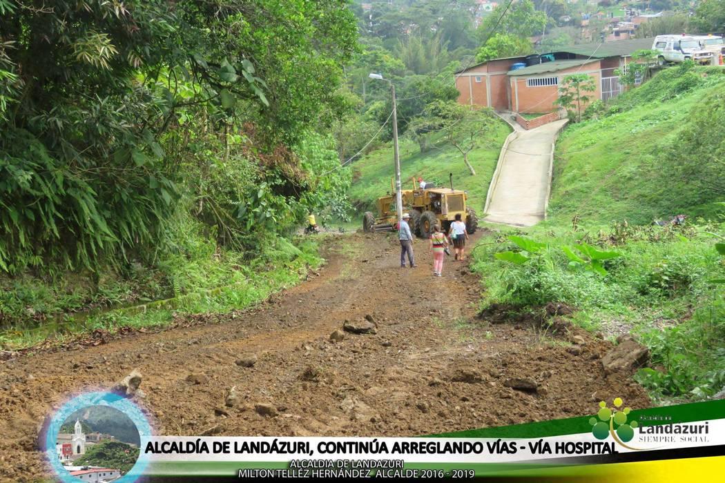Con banco de maquinaria mejoran vías del municipio