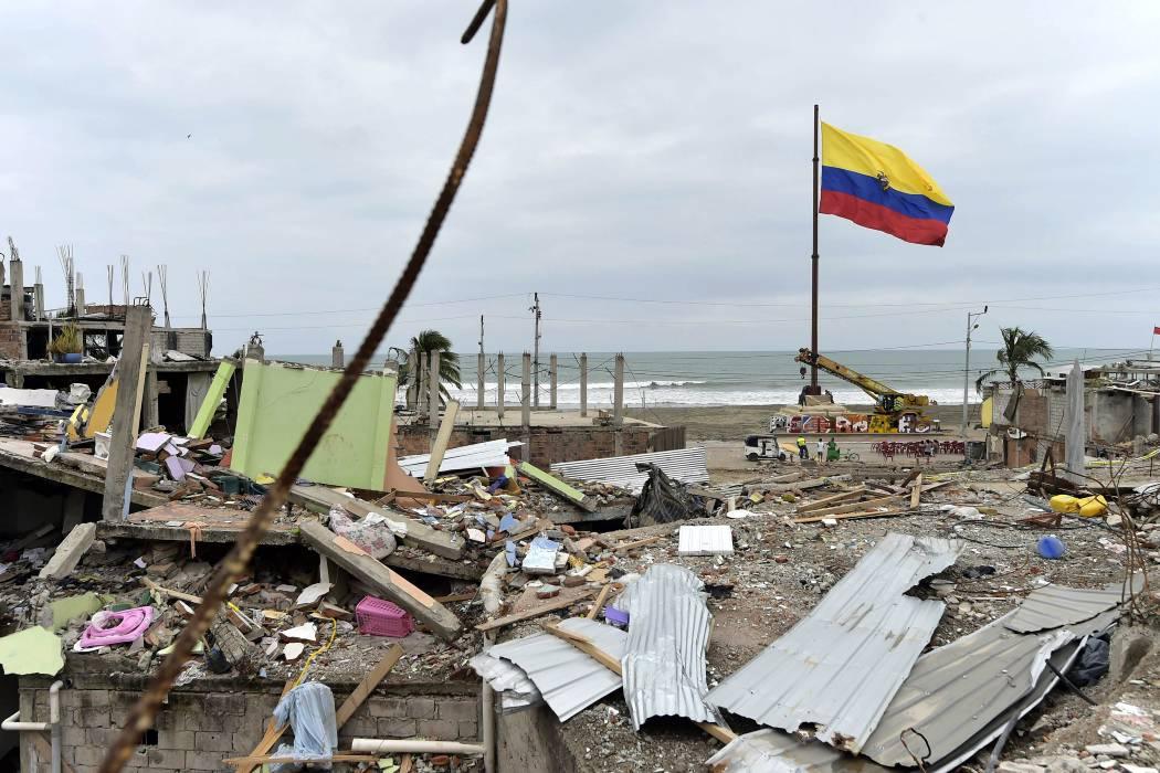 Ecuador inició reconstrucción de zonas devastadas por el terremoto