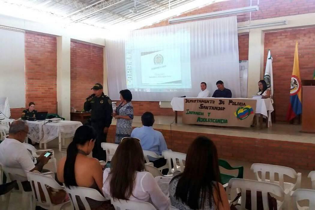 Policía de infancia realizó el Primer Encuentro de rectores de la Provincia