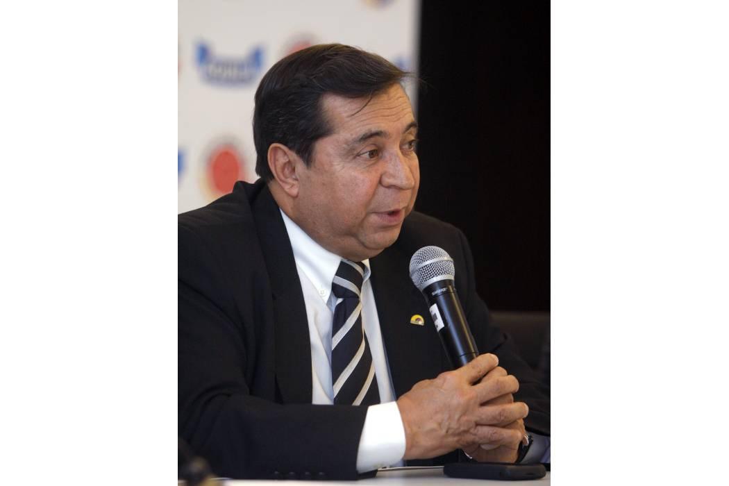 Fiscalía investiga al presidente de la Difútbol
