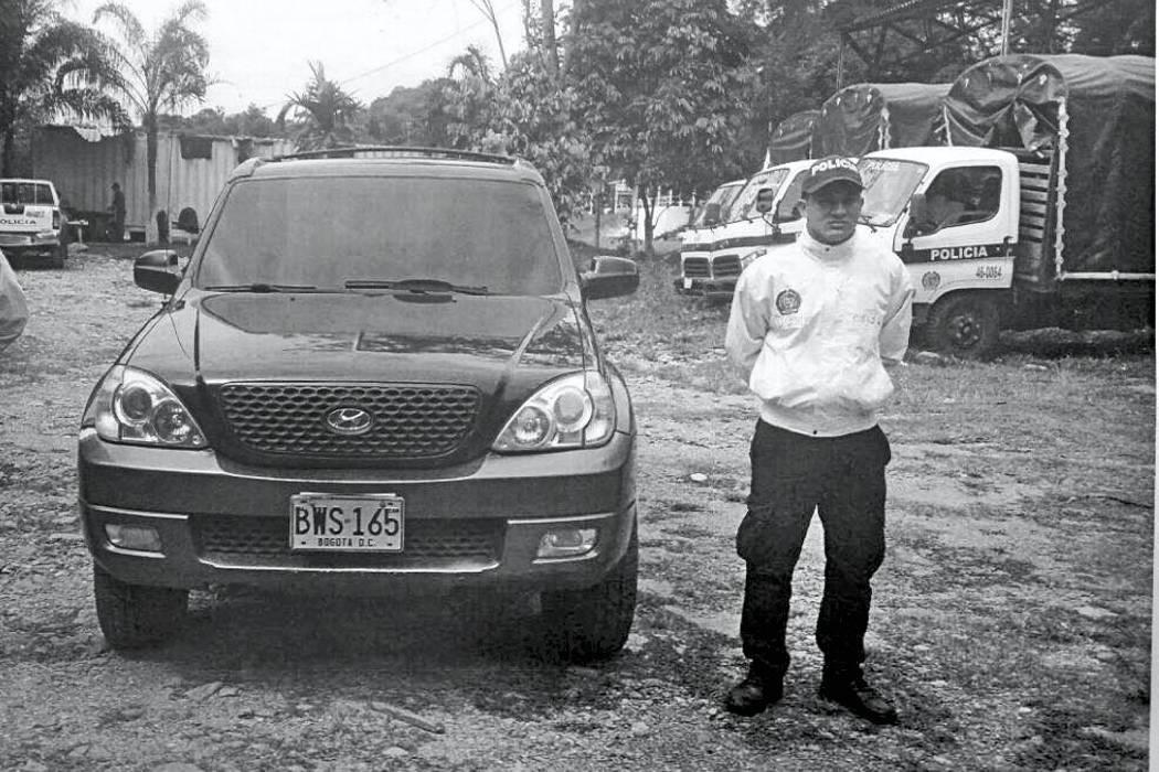 Capturado paramilitar  en carro del Senado