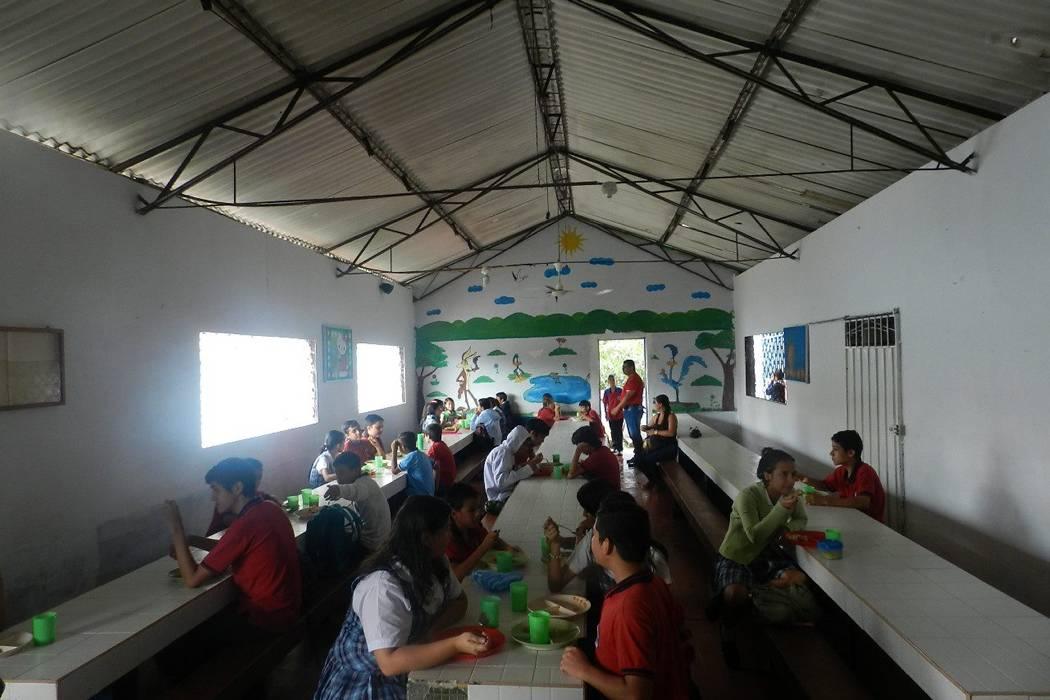Programa PAE en el Luis Camacho R.  beneficia a 249 niños