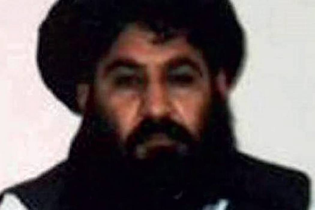 Talibanes afganos confirman muerte de su líder en un ataque de EEUU en Pakistán