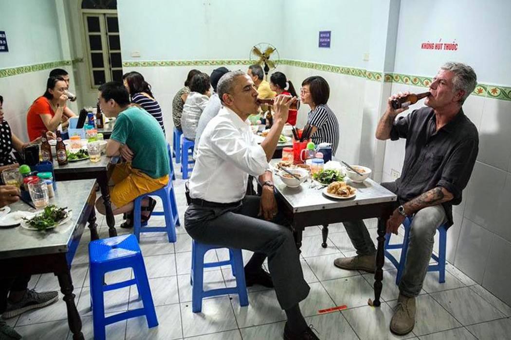 Obama reemplazó su cena oficial en Vietnam por un plato de seis dólares