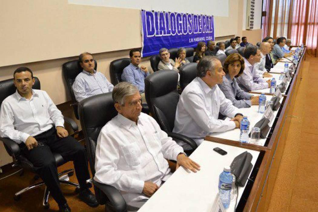 Delegaciones de paz se declaran en sesión permanente hasta firmar el acuerdo final