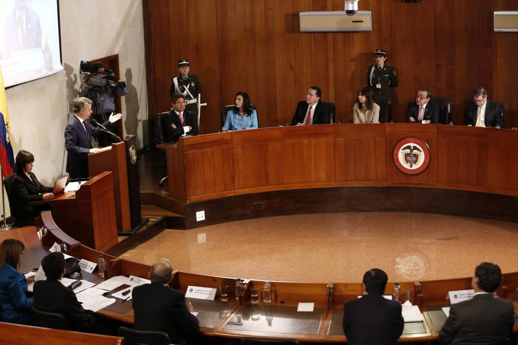 Corte escuchó argumentos en discusión de plebiscito de paz