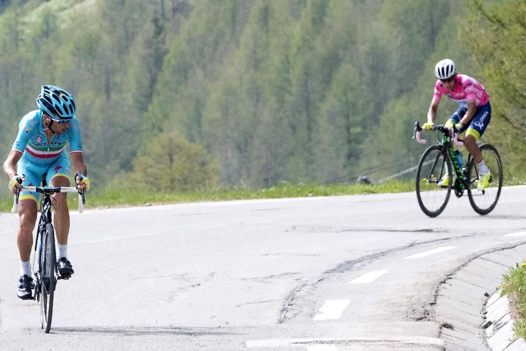 Esteban Chaves perdió la 'Maglia Rosa', Níbali nuevo líder del Giro