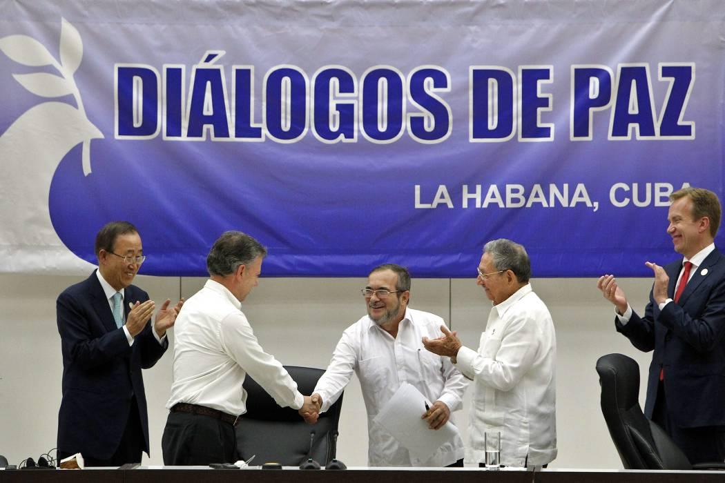 """""""La paz se hizo posible"""": Santos"""